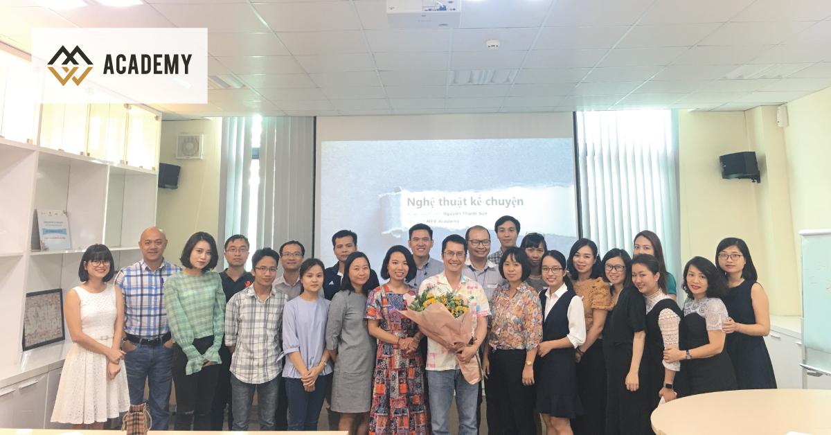 HLV Nguyễn Thanh Sơn giảng dạy chương trình Storytelling MasterClass cho đội ngũ Vin University